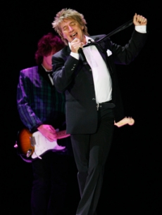Rod Stewart takes the stage in Zurich, Switzerland