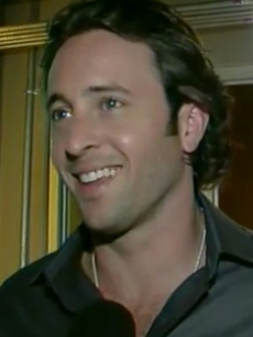 Alex Oloughlin, Moonlight, access blurb 1