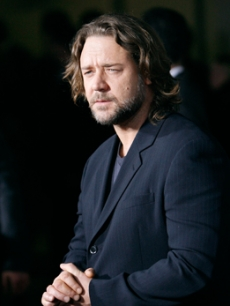 His co-star, Russell Crowe, arrives for the film premiere