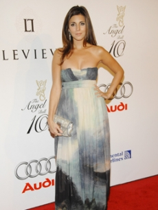 Jamie-Lynn Sigler arrives at the ball [that benefits cancer research]