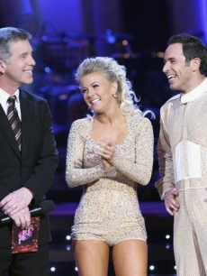 Julianne & Helio receive praise from the judges