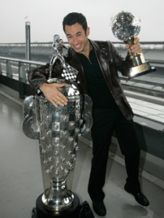 Castroneves, Helio - trophies INDIANA 12 11 '07 AP 1