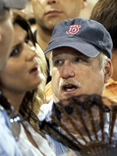Richard Dreyfuss enjoys a Boston Red Sox game