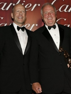 Bruce Willis and Jerry Weintraub pose at the Palm Springs International Film Festival 