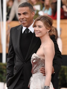 Ellen Pompeo &amp; husband at the SAG Awards red carpet