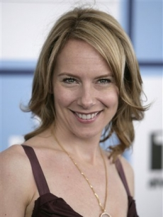 Amy Ryan arrives at the 2008 Independent Spirit Awards
