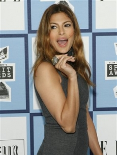 Eva Mendes arrives at the 2008 Independent Spirit Awards