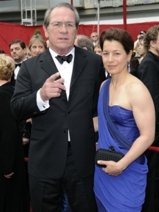 Oscar nominee Tommy Lee Jones and wife shine on the Oscar red carpet