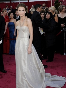 Keri Russell opts for an up &#039;do on the Oscar red carpet