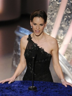 Hilary Swank presents at the 2008 Oscars