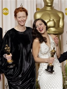 Daniel Day-Lewis, Tilda Swinton, Marion Cotillard and Javier Barden celebrate their Oscar wins!
