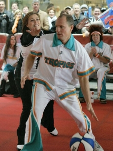 Woody Harrelson, from 'Semi-Pro,' plays basketball against Meredith Vieira, on the 'Today' show