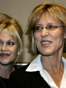 Melanie Griffith and Christine Lahti support Hillary Clinton in TX