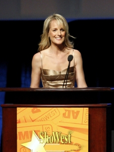Helen Hunt accepts the award for Breakthrough Director of the Year at ShoWest