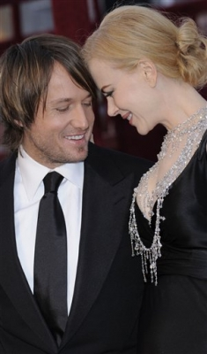 Nicole Kidman and Keith Urban looking radiant on the red carpet at Oscar 2008