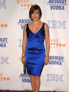 Mariska Hargitay dazzles at the GLAAD Media Awards