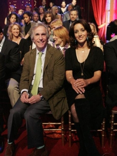Henry Winkler and Jennifer Beals catch an episode of 'Dancing'