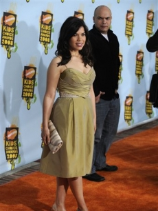 America Ferrera arrives at the 21st Annual Kids' Choice Awards