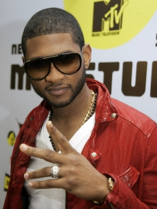 Usher stops by MTV's 'TRL' to talk about his latest single and new album