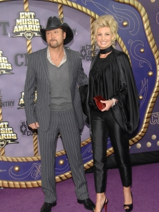 Hill, Faith - Tim McGraw CMT AWARDS 4 14 &#8216;08 AP 2