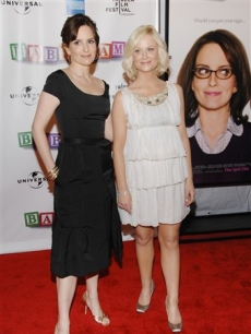 Tina Fey and Amy Poehler attend the premiere of &#8216;Baby Mama&#8217; 
