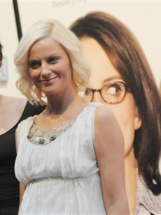 Tina Fey & Amy Poehler arrive to the 'Baby Mama' premiere at the 20008 Tribeca Film Festival