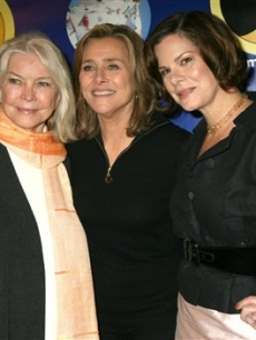 Marcia Gay Harden, Ellen Burstyn and Meredith Vieira at the Pajama Program Awards luncheon