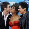 Paula Abdul gets a kiss from Cook on the 'Idol' red carpet