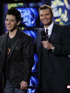 Ryan Seacrest shares a laugh with David Archuleta at the 'Idol' finale