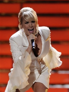 Carrie Underwood sings &#8216;Last Name&#8217; on the &#8216;Idol&#8217; finale, May 21, 2008 