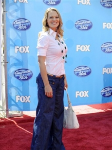 Jeri Ryan attends the 'Idol' finale