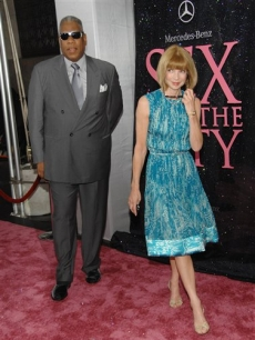 Vogue editors Andre Leon Talley and Anna Wintour attend the 'Sex' NYC premiere