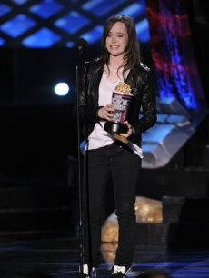 &#8216;Juno&#8217; star Ellen Page wins Best Female Performance