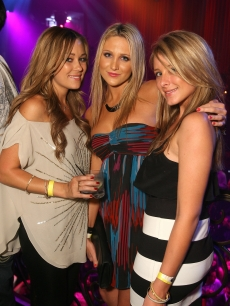 Lauren Conrad, Stephanie Pratt and Lo Bosworth at the Vegas hotspot!