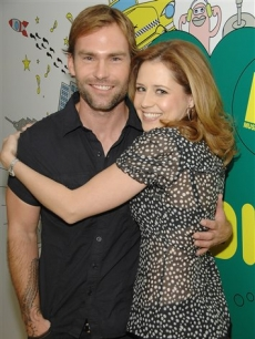 Seann William Scott and Jenna Fischer hang out at 'TRL,' June 3, 2008