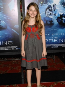 Adorable Abigail Breslin attends &#8216;The Happening&#8217; premiere, June 10, 2008 