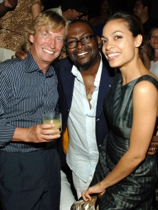 Nigel Lythgoe and Rosario Dawson help Randy Jackson celebrate his birthday at TAO in Las Vegas