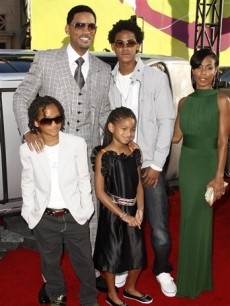 Will Smith, Trey Smith, Jada Pinkett-Smith, Jaden Smith, and Willow Smith at &#8216;Hancock&#8217; premiere