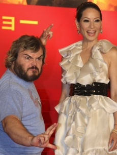 Lucy Liu and Jack Black strikes a pose during the Japan premiere of 'Kung Fu Panda' in Tokyo