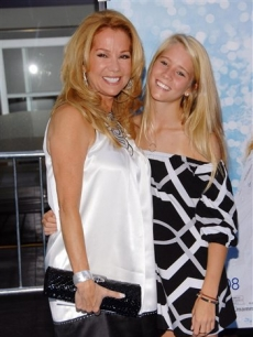 Kathie Lee Gifford poses with daughter Cassidy at the 'Mamma Mia' premiere
