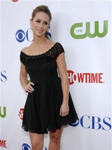 Jennifer Love Hewitt arrives at the  CBS, CW and Showtime Press Tour Party in LA