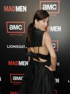 Kate Walsh poses for pics on the 'Mad Men' red carpet