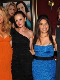 Blake Lively, Alexis Bledel, America Ferrera and Amber Tamblyn pose at 'The Sisterhood of the Traveling Pants 2'