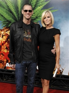 Jim Carrey and  Jenny McCarthy together at the premiere of the film 'Pineapple Express'