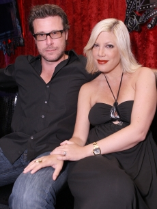 Dean McDermott and new mom Tori Spelling relax at Christian Audigier The Nightclub in Las Vegas