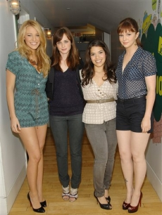 Blake Lively, Alexis Bledel, America Ferrera and Amber Tambly at 'TRL'