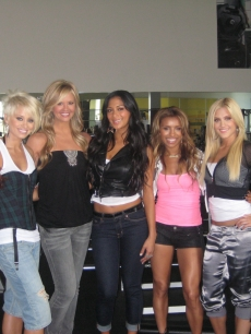 Nancy O'Dell with the Pussycat Dolls
