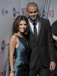 Eva Longoria and her husband Tony Parker arrive at the ALMA Awards