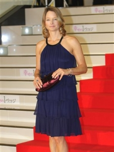 jodieJodie Foster poses on the red carpet at the Japan premiere of the film &#8216;Nim&#8217;s Island&#8217; in Tokyo