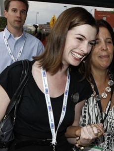 Anne Hathaway arrives at the Democratic National Convention in Denver